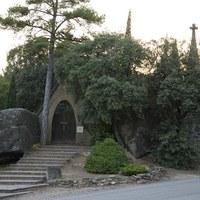 Accés al cementiri d'Olius.JPG